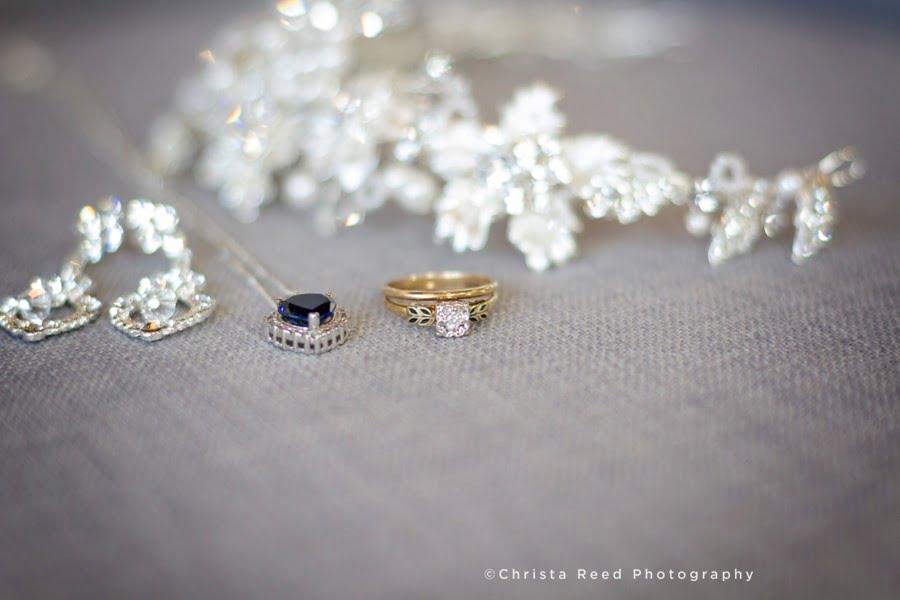How To Avoid A Vanishing Wedding Photographer