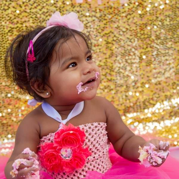 1 Year Cake Smash Session Belle Plaine Photographer | Pink and Gold Birthday Cake Smash