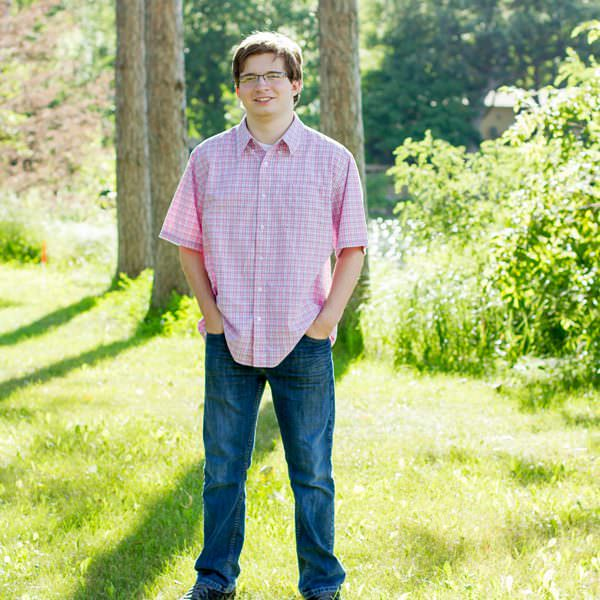 Jordan Minnesota Outdoor Senior Photography | Nathan
