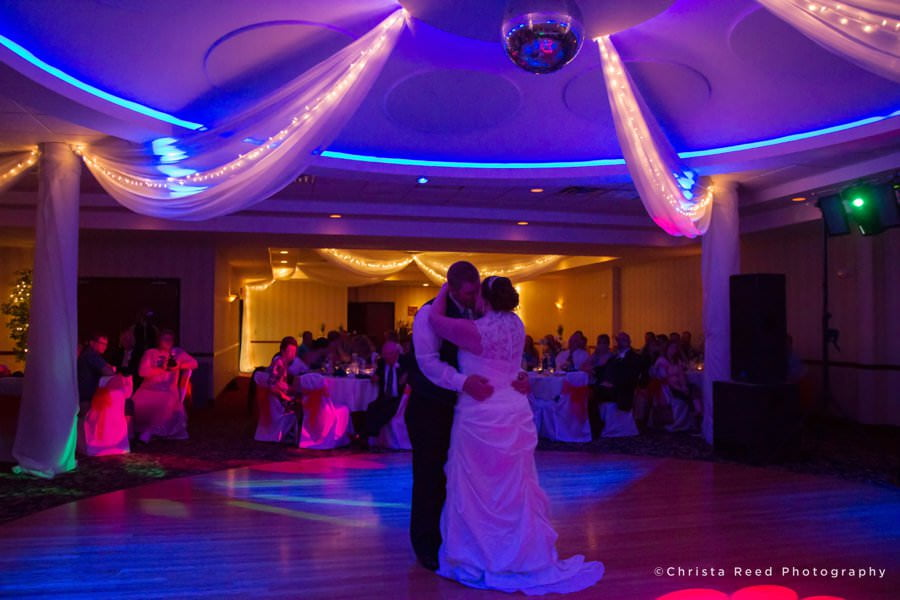 uplighting for your wedding reception chaska wedding photography