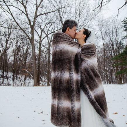 outdoor winter wedding portrait
