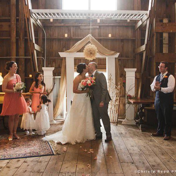 Belle Plaine Minnesota Barn Wedding at Rubies and Rust | Ta + Paul