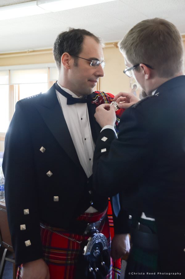 minnetonka wedding photographer groom getting ready