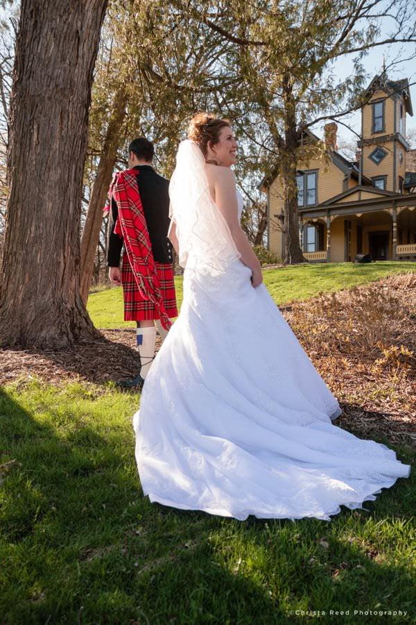 minnetonka wedding photographer first look at burwell park