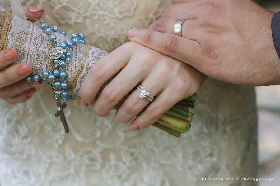 rosary bouquet mankato Catholic wedding