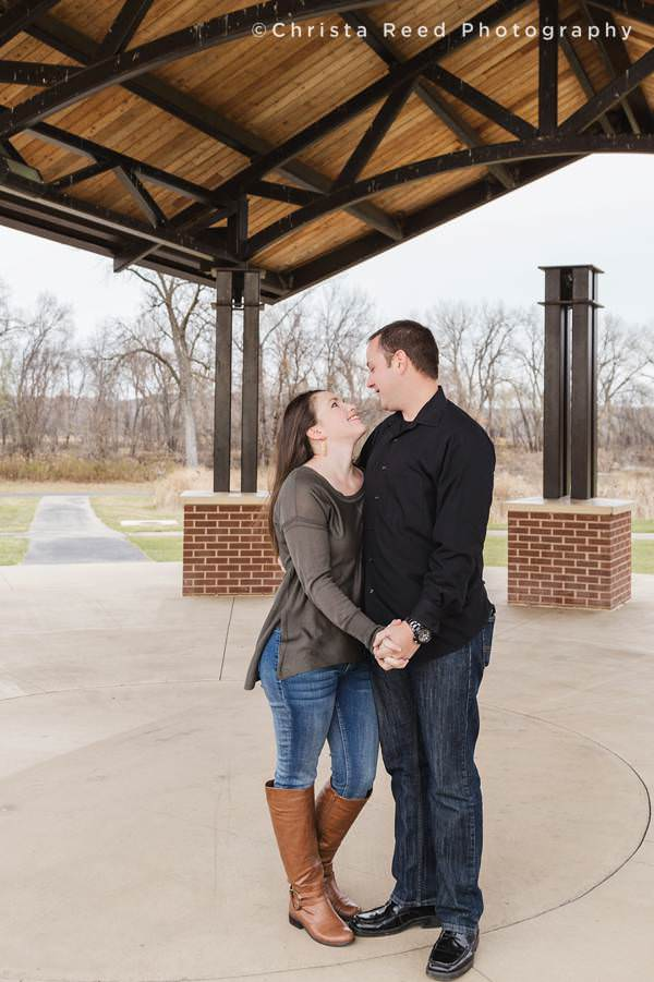 shakopee mn engagement photographer huber park
