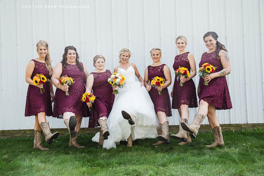 wedding party farm wedding in belle plaine