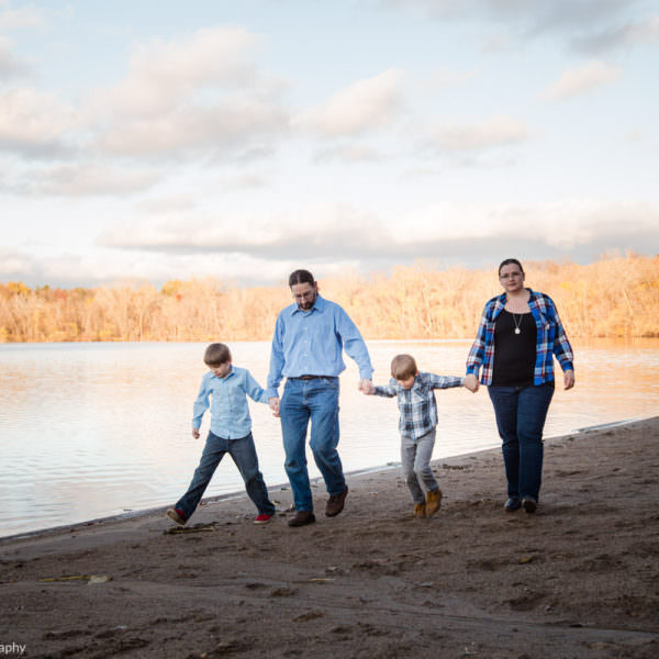 Lake Ann Family Pictures Chanhassen MN Photographer
