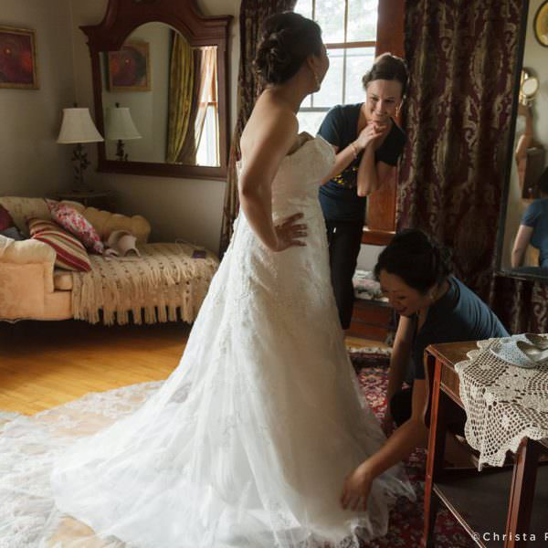 Wedding Day Getting Ready Photos & How To Make Them Awesome
