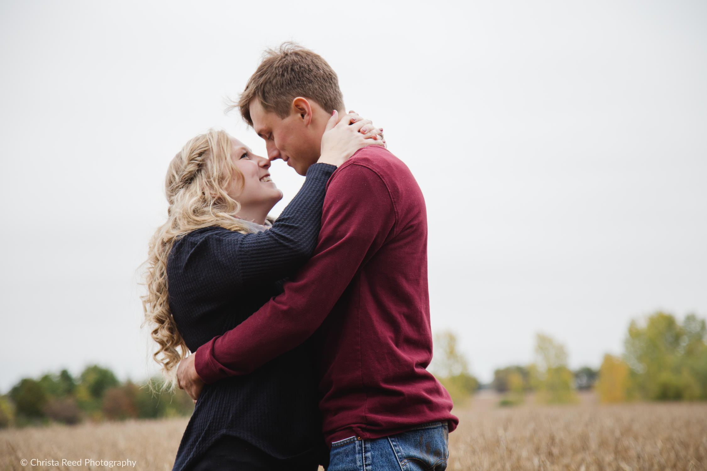 henderson minnesota engagement shoot in a farm field