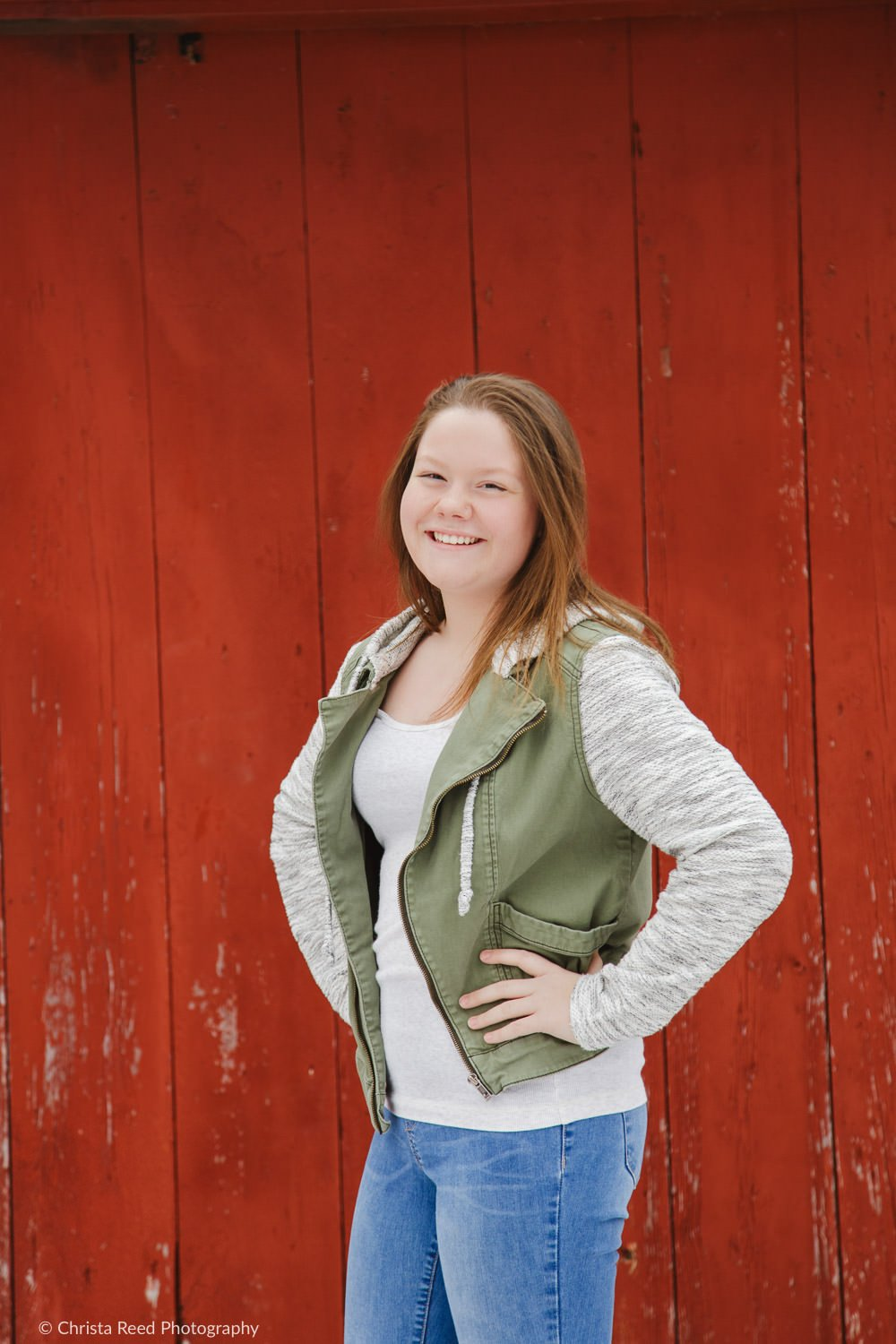 senior portraits in belle plaine at Ney Nature Center