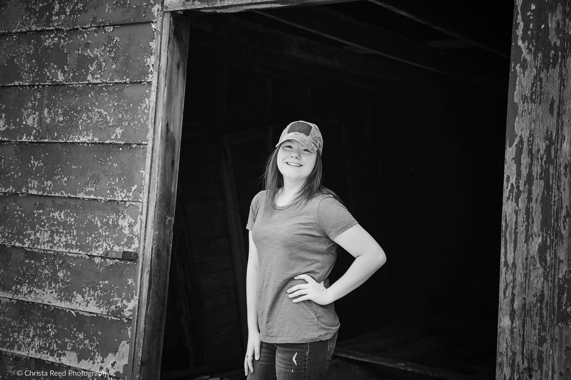 black and white senior pictures in belle plaine minnesota