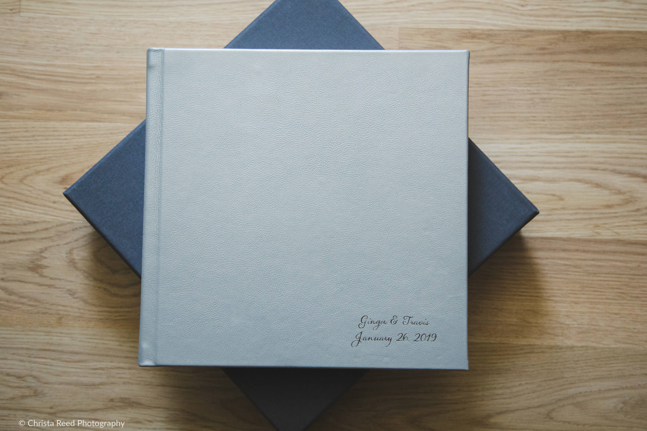 minneapolis minnesota wedding photographer makes leather albums