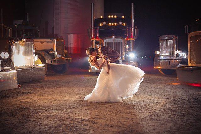 minneapolis wedding photographers night time photos