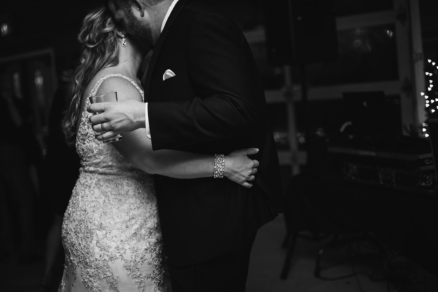 romantic black and white wedding photography in minnesota