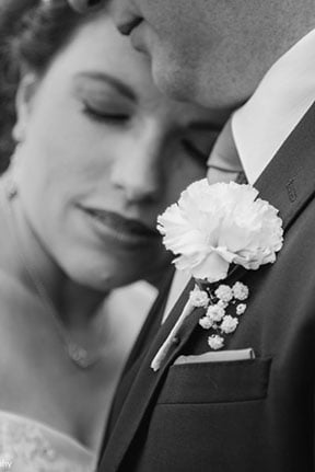 wedding photographers in shakopee at turtles social centre