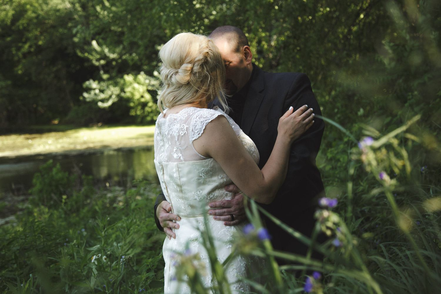 romantic Minnesota elopement pictures in nature