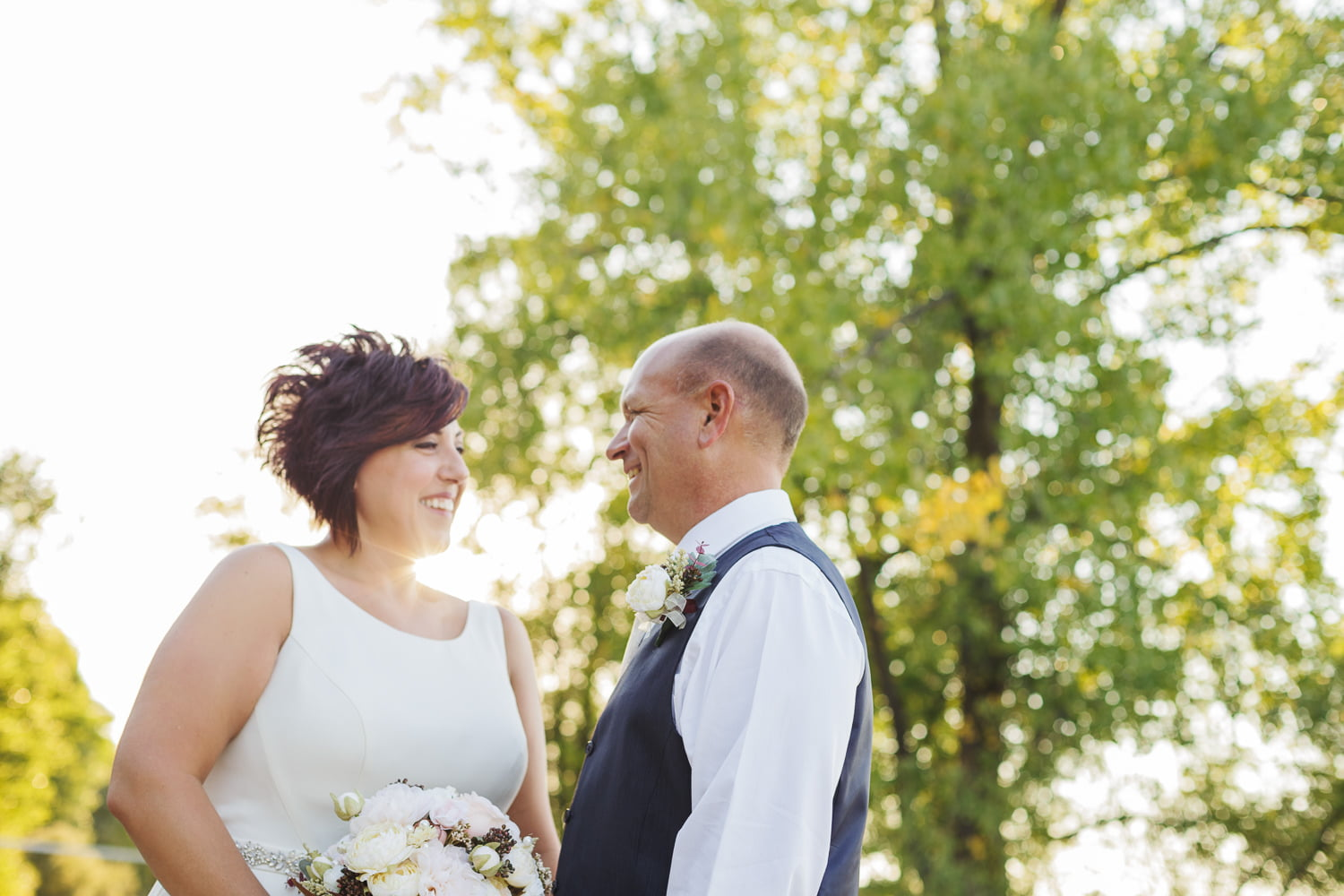 tips for being less nervous about wedding photos